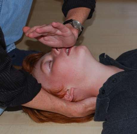 Reanimation, Atemstillstand, einfach pr�fen der Atmung