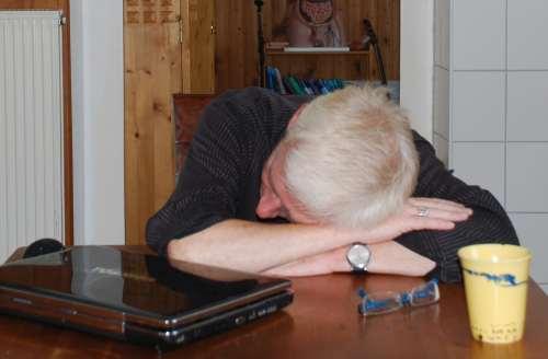 Reanimation, Feststellen Bewusstlosigkeit, nicht wach